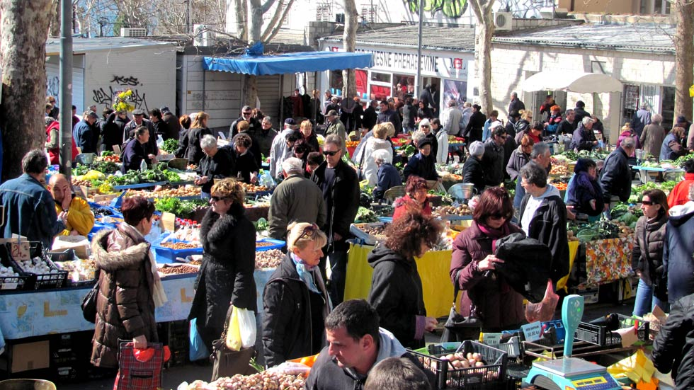 Split Green Market