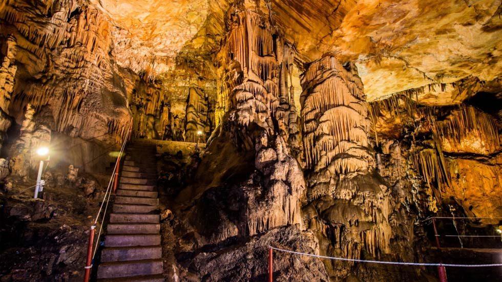 Vranjca Cave